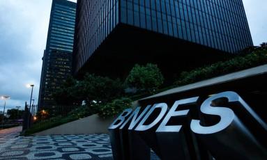 Mudança. O BNDES, que será presidido por Maria Silvia, vai devolver R$ 100 bilhões ao Tesouro entre 2016 e 2018 Foto: Pedro Teixeira / Agência O Globo