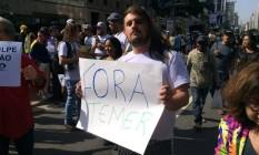 Manifestantes protestavam contra o presidente interino Michel Temer durante a Parada Gay em São Paulo Foto: Flávio Freire/Agência O Globo