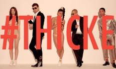 """Cena do clipe de """"Blurred lines"""", do cantor Robin Thicke (à esquerda) Foto: Reprodução / Reprodução"""