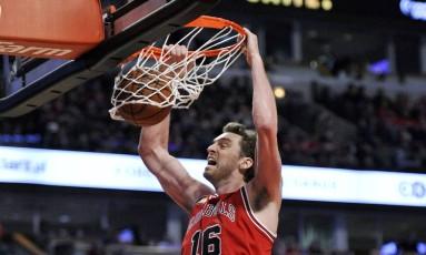 Gasol disse que está pensando se vem aos Jogos. O jogador de basquete teme o vírus zika Foto: Paul Beaty / AP
