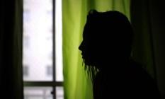 Estupro coletivo é investigado pela Delegacia da Criança e Adolescente Vítima (na foto, a vítima, de 16 anos) Foto: O Globo / Márcia Foletto