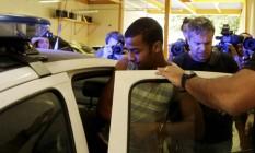 Raí de Souza, suspeito de participação em estupro coletivo, se entrega à polícia Foto: Marcelo Carnaval / Agência O Globo