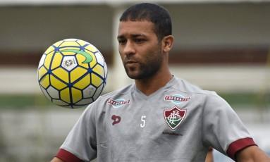 Pierre volta ao time do Fluminense contra o Coritiba Foto: Divulgação