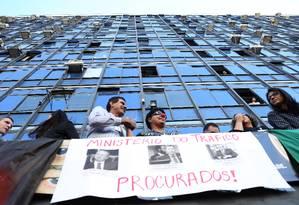 Cerca de 250 servidores do Ministério da Transparência deixaram os cargos de chefia em protesto contra a permanência de Fabiano Silveira da pasta. Foto: Jorge William / Agência O Globo
