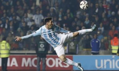 Messi em ação pela seleção da Argentina, em foto de arquivo: intervenção do governo na federação ameaça participação do país na Copa América Foto: Silvia Izquierdo / AP