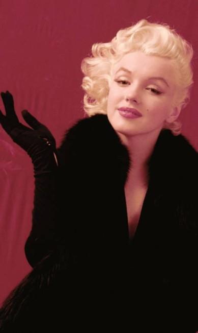 Durante a década de 50, sua imagem inocente e, ao mesmo tempo, fatal foi o ideal de sensualidade para a sociedade americana, que a alavancou ao posto de uma das mulheres mais sexy do mundo. Seu cabelo platinado, curvas e lábios carnudos eram desejados por estúdios de cinema, fotógrafos e revistas do mundo inteiro, que viam nela uma garantia de sucesso do que quer que fosse Milton H. Greene / AP