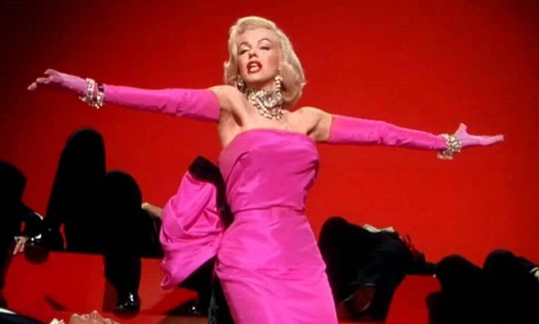 """""""Os Homens Preferem as Loiras"""", de 1953, também consta como um dos mais famosos filmes que a tem no elenco. Sua elogiada atuação rendeu-lhe inclusive uma indicação ao Globo de Ouro de melhor atriz-coadjuvante em comédia ou musical Divulgação"""