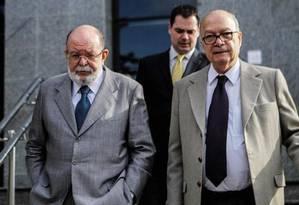 Léo Pinheiro, ex-presidente da OAS, à esquerda Foto: Reprodução / Twitter