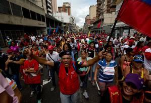 Apoiadores de Nicolás Maduro fazem manifestação de apoio em Caracas Foto: Fernando Llano / AP