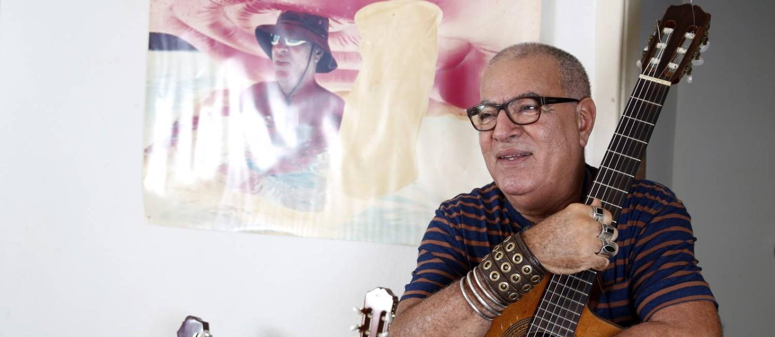 'Minha contribuição é minha música', diz Cézar Mendes Foto: Fabio Rossi / Agência O Globo