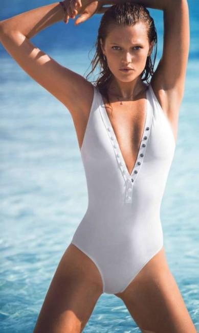 """Mais de Toni Garrn na """"Elle"""" França Reprodução"""