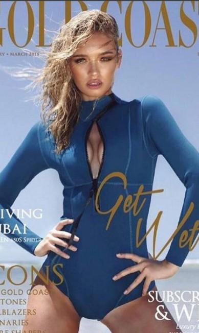 """Roxe na capa da revista """"Gold Coast"""" Reprodução/ Instagram"""