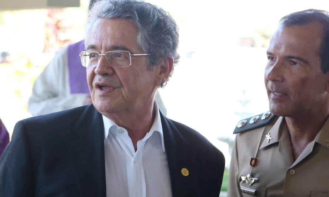 O ministro do STF Marco Aurélio Mello no velório de Passarinho Foto: Michel Filho / Agência O Globo