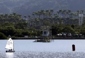 Uma das torres de controle das provas de remo e canoagem de velocidade pode ser vista na Lagoa Rodrigo de Freitas Foto: Marcelo Carnaval