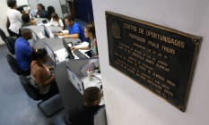 Centro de oportunidade de emprego, no Centro do Rio Foto: Custódio Coimbra / Agência O Globo