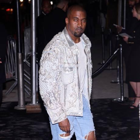 O rapper Kanye West, em foto do começo de maio Foto: DAVE KOTINSKY / AFP