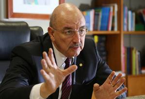 O ministro do Desenvolvimento Social, Osmar Terra, é a favor da Guerra às drogas Foto: Michel Filho / Agência O Globo