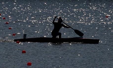 Locomotiva dentro da canoa dá o gás para a vitória Foto: Getty Imagens