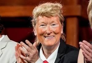 Meryl Streep versão Donald Trump: alfinetadas no palco Foto: Reprodução do Twitter