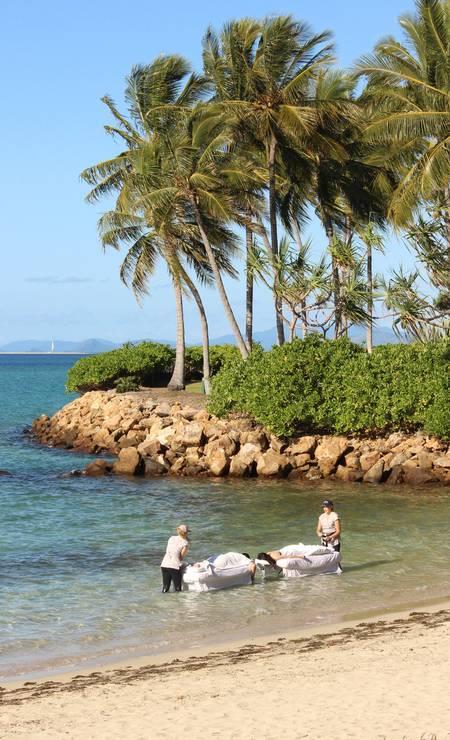 Massagem ao mar é um dos serviços oferecidos por hotéis e empresas da região da Grande Barreira de Corais Foto: Léa Cristina