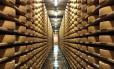Fábrica de queijos na cidade de Gruyères, na Suíça