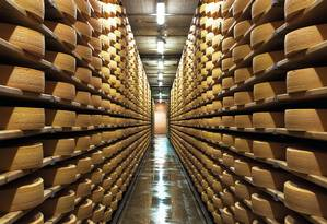 Fábrica de queijos na cidade de Gruyères, na Suíça Foto: Swiss-Image.ch/Divulgação