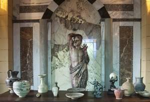 Vasos, pratos, esculturas e instrumentos correlatos, entre outros artefatos gregos ligados aos Jogos serão expostos no museu Foto: Analice Paron / Agência O Globo / Agência O Globo