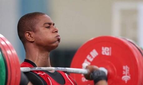 O segredo do levantamento de peso está nos joelhos Foto: Alexandre Cassiano/O Globo