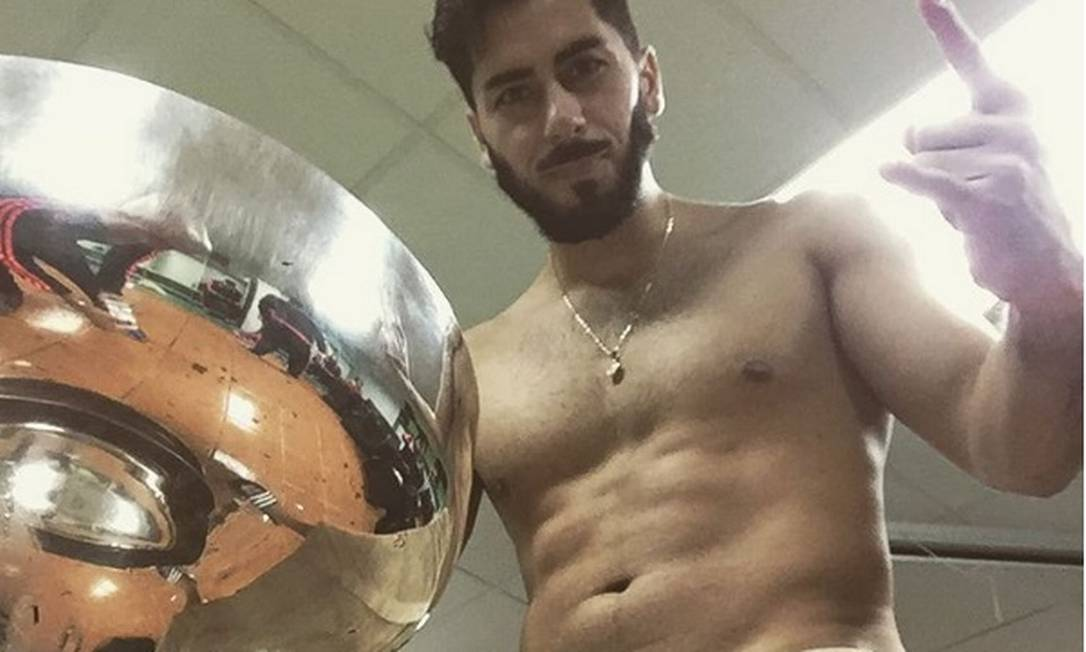 Johnny Herrera, de 35 anos, é goleiro da Universidad de Chile, com passagem pelo Corinthians. É reserva da seleção chilena Reprodução/Instagram