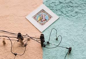 Imagem de São José enfeita casa no Santo Cristo Foto: Agência O Globo