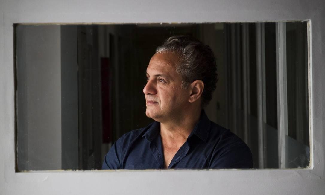 """Breno Silveira dirigiu """"1 contra todos"""", série que estreia nesta sexta-feira no Fox+, e no dia 20, na Fox Foto: Guito Moreto / Agência O Globo"""