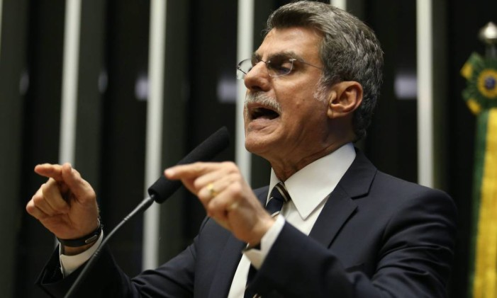 O ministro licenciado do Planejamento Romero Jucá durante Sessão do Congresso Nacional Foto: André Coelho 24/05/2016 / Agência O Globo