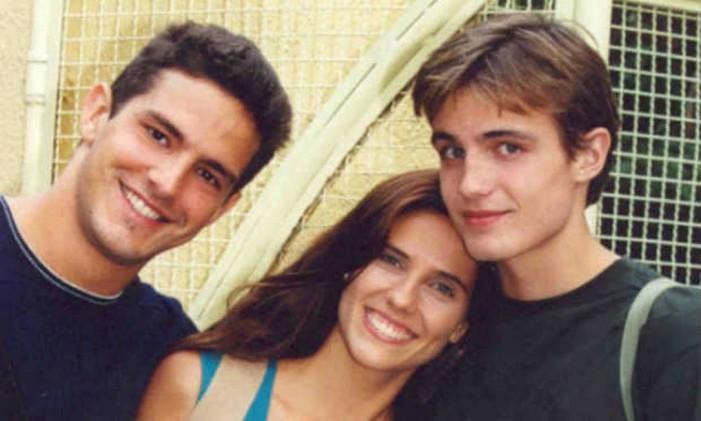 Gui (Iran Malfitano), Nanda (Rafaela Mandelli) e Léo (Max Fercondini) formaram um triângulo amoroso Foto: Divulgação
