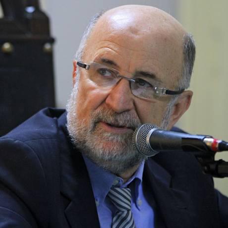 Luiz Paulo (PSDB) questiona o que será feito quando dinheiro acabar Foto: Divulgação Alerj
