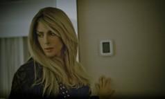 Cauã Reymond como uma travesti no clipe 'Your armies', de Barbara Ohana Foto: Leandro Pagliaro/Divulgação