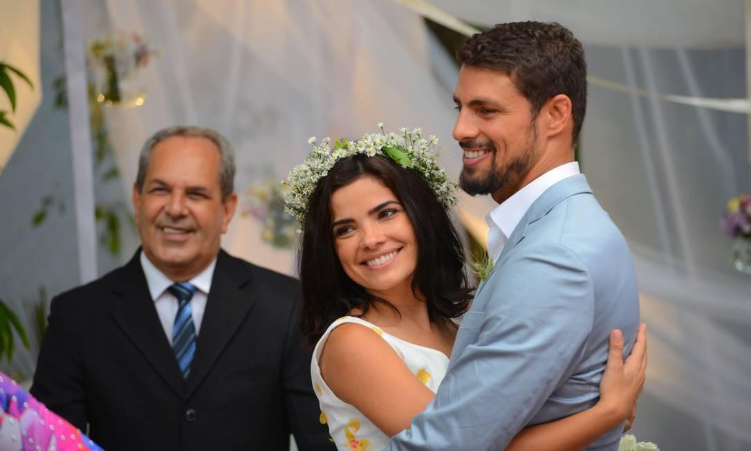 Tóia (Vanessa Giácomo) e Juliano (Cauã Reymond): cena de 'A regra do jogo', novela mais recente do ator, encerrada em março de 2016 Foto: Divulgação/TV Globo