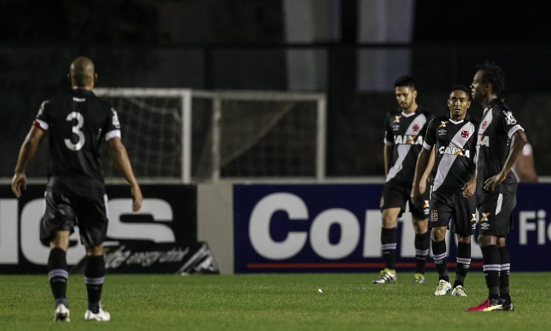 A desolação de Rodrigo, Luan, Jorge Henrique e Andrezinho com mais um gol do Paysandu Alexandre Cassiano