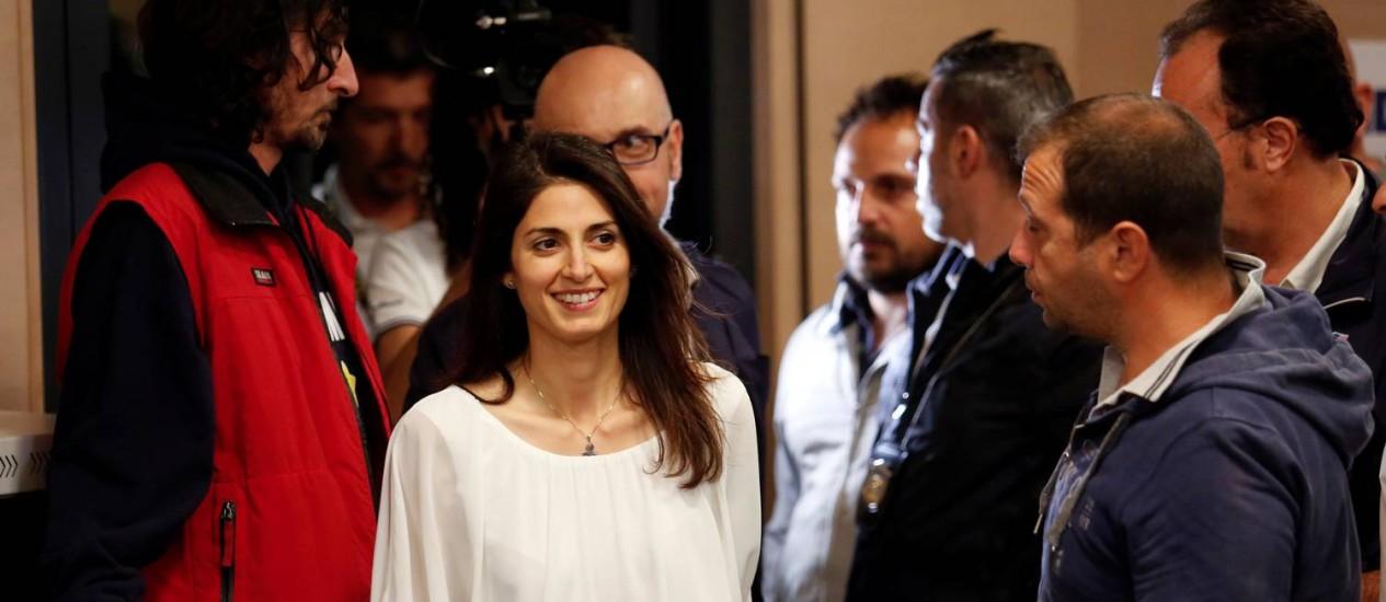 Virginia Raggi sorri após ser eleita prefeita de Roma Foto: REMO CASILLI / REUTERS