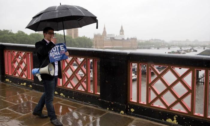 Campanha a favor à permanência do Reino Unido na Uniao Europeia Foto: JUSTIN TALLIS / AFP