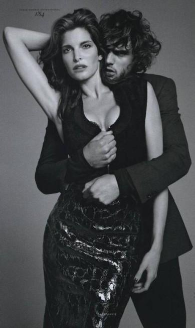 """E agora cheio de intimidade com a top Stephanie Seymour na """"Vogue Hommes"""", em 2012 Reprodução"""