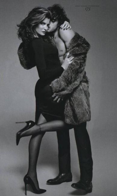 """O modelo com a top Stephanie Seymour na """"Vogue Hommes"""", em 2012 Reprodução"""