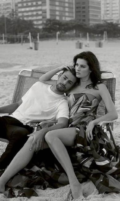 Isabeli e Cauã em clima de romance na revista Reprodução/ Instagram