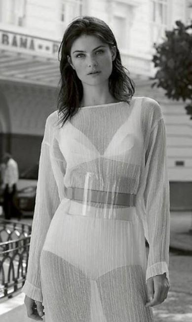 """Isabeli na """"Harper's Bazaar"""" Espanha Reprodução/ Instagram"""