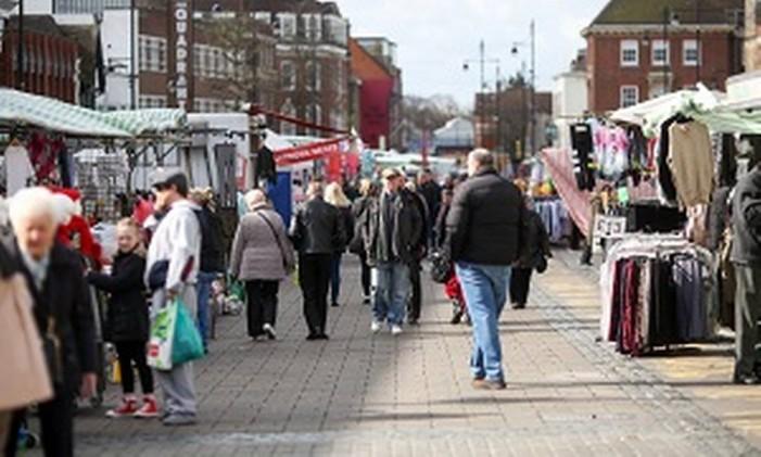 Mercado em Romford, no Reino Unido Foto: Chris Ratcliffe/Bloomberg / Chris Ratcliffe/Bloomberg