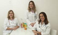 As pediatras Flavia Bello (à esquerda), Cristiana Meirelles e Cristina Makarenko Foto: Analice Paron / Agência O Globo