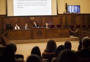 Apresentação do simpósio sobre obesidade na Academia Nacional de Medicina Foto: Hermes de Paula
