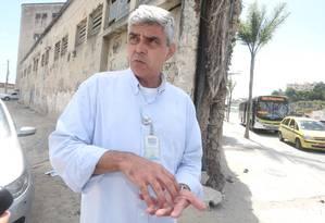 Joaquim Dinis é quem coordena o trânsito da cidade: desde 1994 na CET-Rio Foto: Fabiano Rocha/02-03-2015 / Agência O Globo