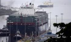 Navio mercantil chinês Cosco Shipping Panama na inauguração da extensão do Canal do Panamá Foto: Johan Ordoñez / AFP
