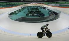 Velódromo custou R$ 147 milhões e deveria estar pronto há seis meses Foto: Gabriel de Paiva / Agência O Globo