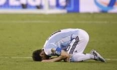 Messi ficou desolado após ter perdido a cobrança de pênalti Foto: AP